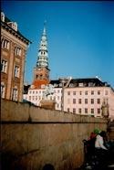 с моста Hojbro на памятник архиепископу Лундскому, основателю города, статую торговки рыбой и башню Skt.Nikolaj Kirke