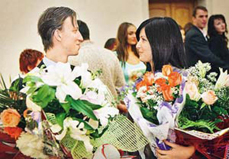 Порнозвезда Елена Беркова вышла замуж за бизнесмена. Фото фрАза.