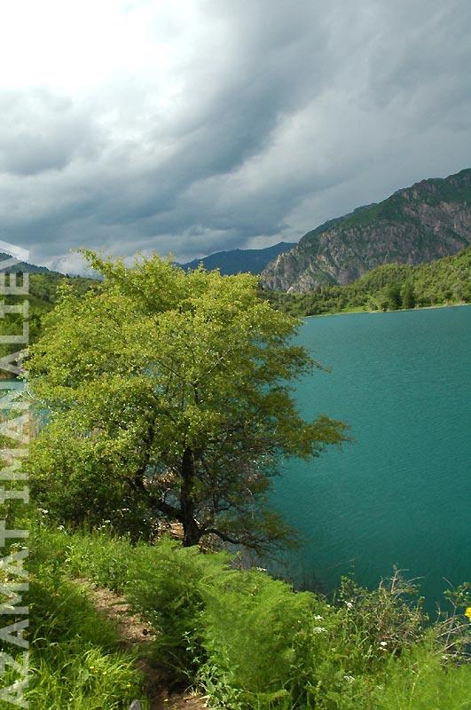 Территория заповедника Сары-Челек. Озеро Кыла-Коль