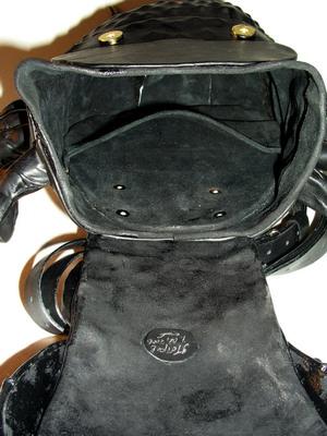 Сумка Жук Это сумка жук, вещь красивая, но поймут не все.