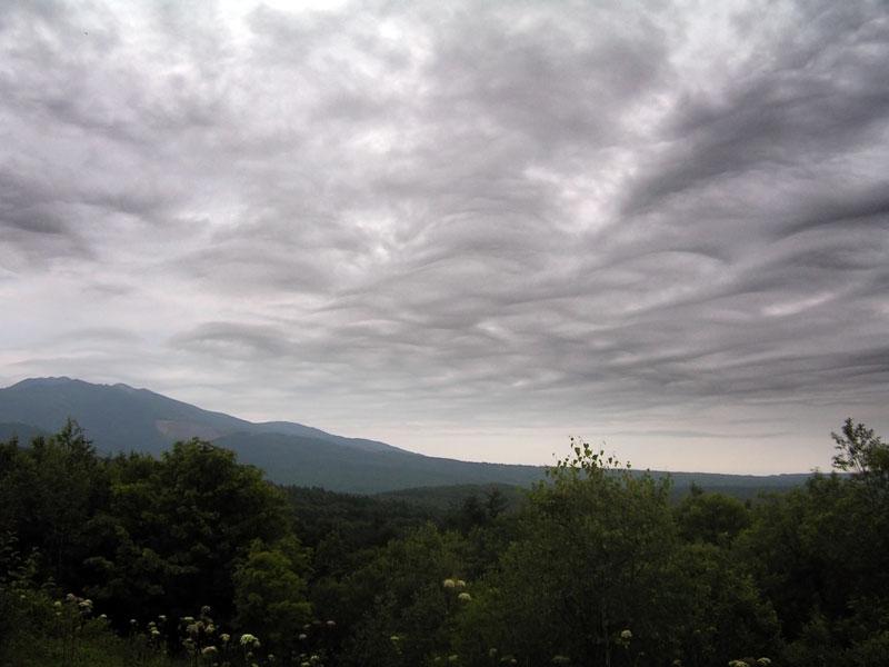 облачность над Майорским хребтом