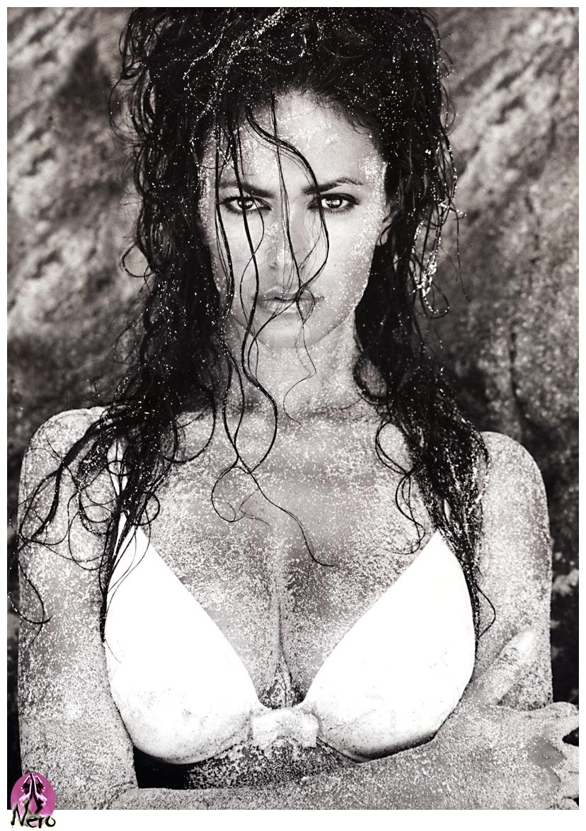 Nero CM Maria Grazia Cucinotta 05 - Myriad Of Ladies ~ Bond Girls Special!