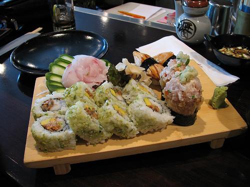 http://www.ljplus.ru/img/j/e/jelay/sushi_set.jpg