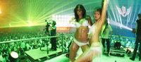 Девушки - танцовщицы на Вспышке были высшего уровня, и никакой эротики!