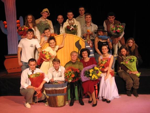 http://www.ljplus.ru/img/r/u/ruru_m/Premiera-7-dec-2005-032sovsem-mal.jpg