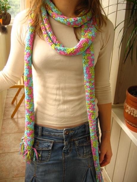 продается шарф из ленточной пряжи (Alize Flamenco, 100% акрил) размер.