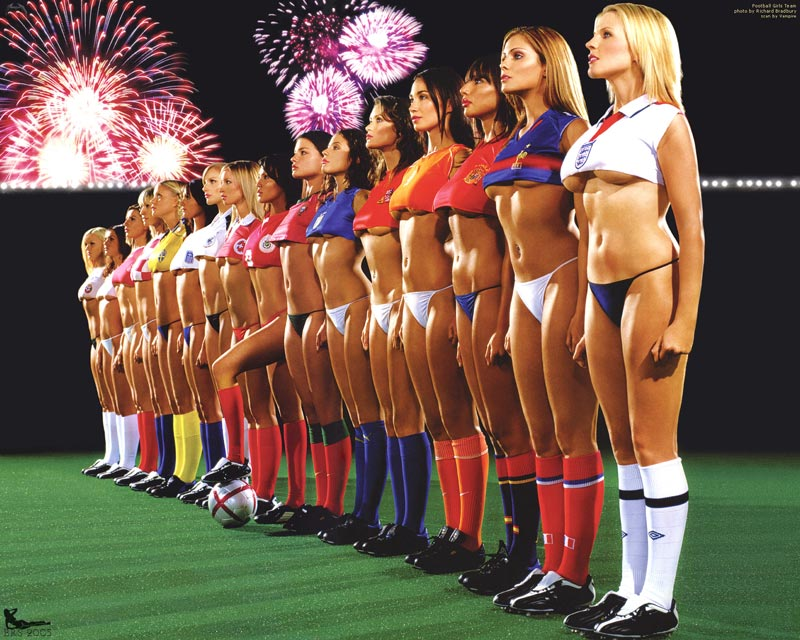 Fooootbaaaaaaalllll!!!!!! - Page 5 Football_girls_team
