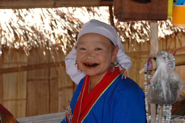 племя длинношеих, Тайланд, Север.