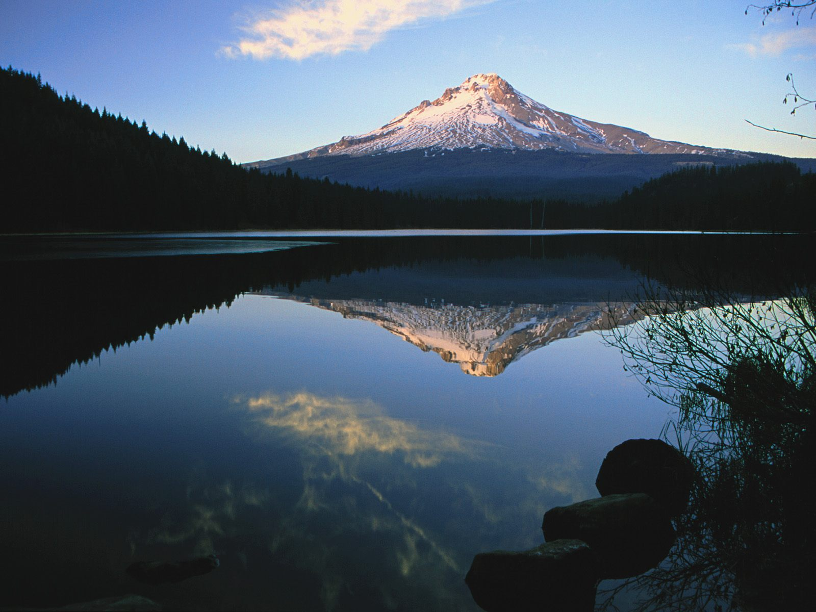 The Pacific Northwest Volcanic Fields Of Washington