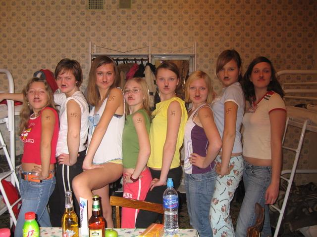 http://www.ljplus.ru/img3/c/o/confiada/gitleryata.jpg