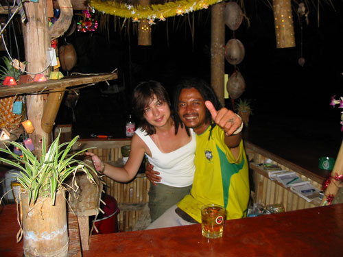 Пом - бармен в Джа Баре. Pom - Jah Bar bartender.