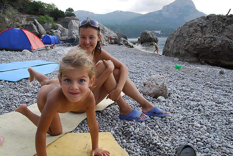 Детское порно в Артеке поставили на поток  cailas