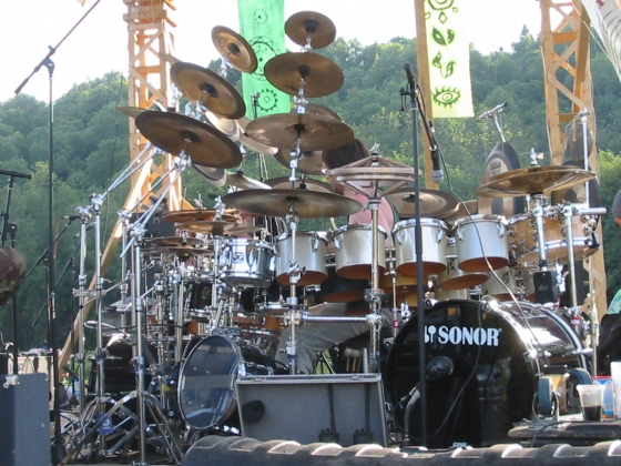 Rediculously Massive Drum Kits [Archive] - DRUMMERWORLD OFFICIAL DISCUSSION FORUM & Rediculously Massive Drum Kits [Archive] - DRUMMERWORLD OFFICIAL ...