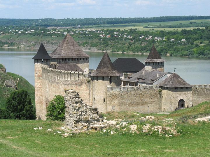 Деревянного и построено в 1541 году