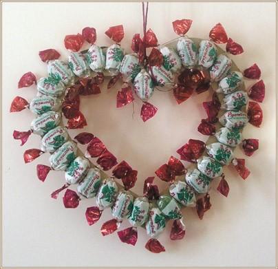 Сердечко из конфет