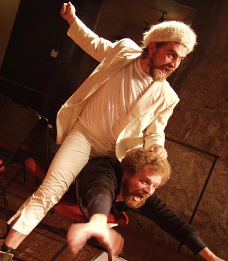 תיאטרון מיקרו - רצח על שפת הים