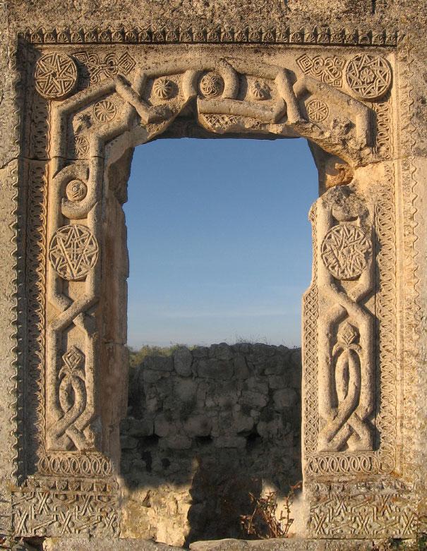Артефакты и исторические памятники - Страница 2 Mangup
