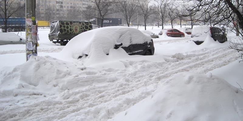 Крыши Петербурга не справляются со снегопадом