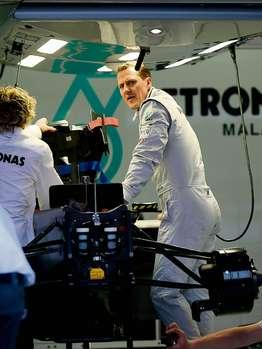 michael-schumacher-15557572-mbhf_templateId_renderScaled_property_Bild_height_349.jpg