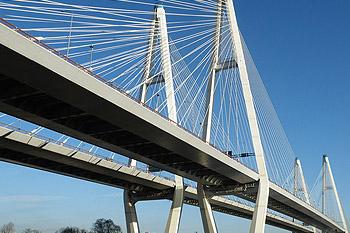 О колебаниях мостов