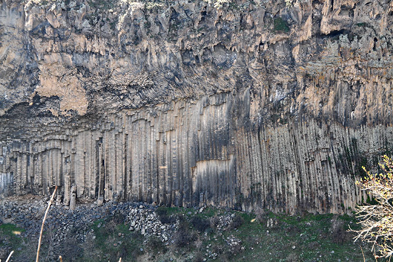 Вірменія. Гарні, скелі