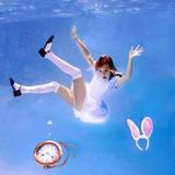 Алиса в воде