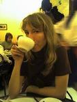 я, кофе и тень официантки на заднем плане