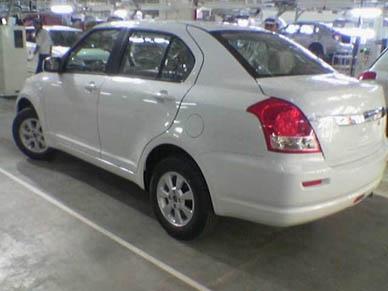Трехобъемный Suzuki Swift
