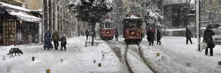 http://www.ljplus.ru/img4/d/o/dobric/Trams-in-Beyoglu_-Istanbul_-2004.jpg