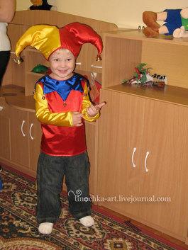 Как сделать подъемные Карнавальный костюм петрушка для