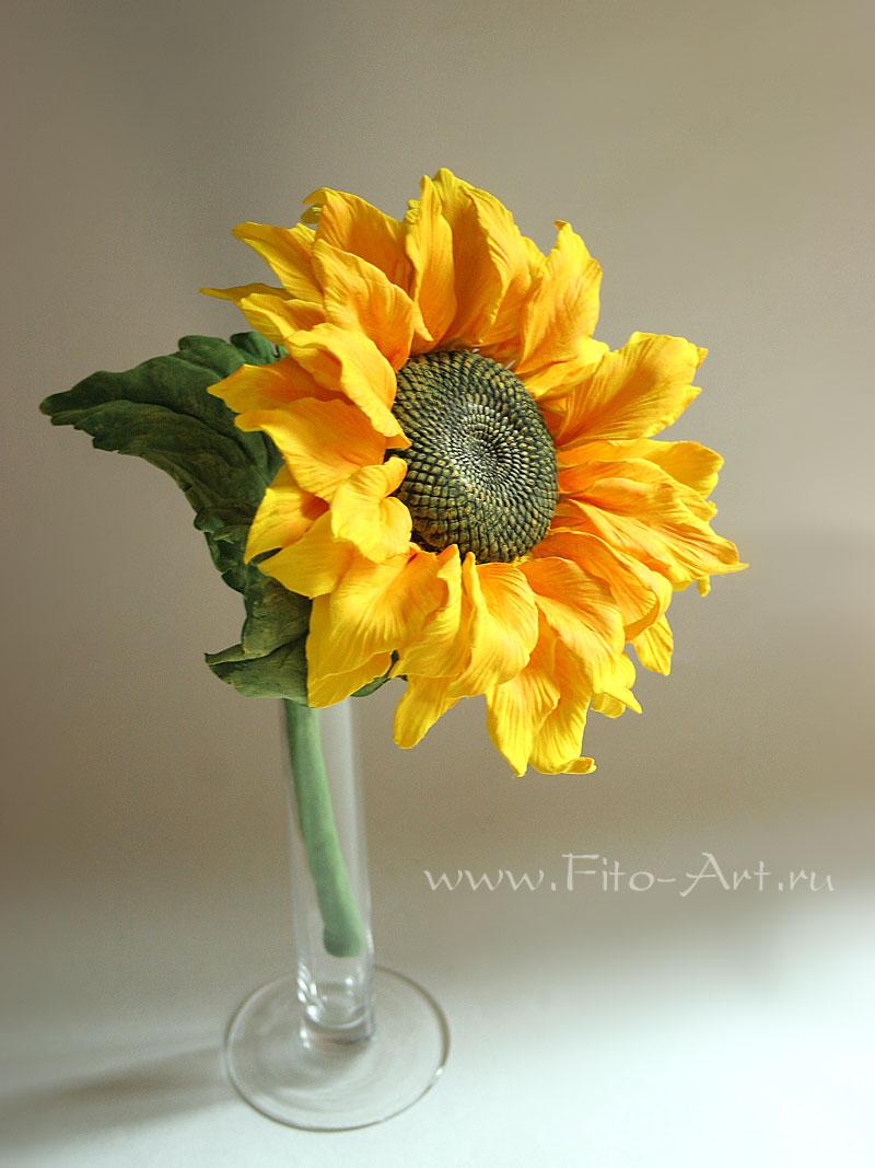 желтый цветок подсолнуха из полимерной глины