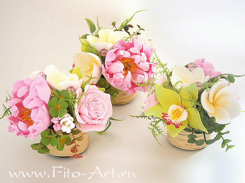 Букетик искусственных цветов ручной работы: пион, две франжипании, цветы гортензии, роза, орхидея цимбидиум, бутоны.