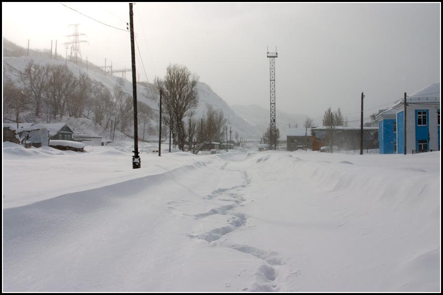 Железная дорога под снегом