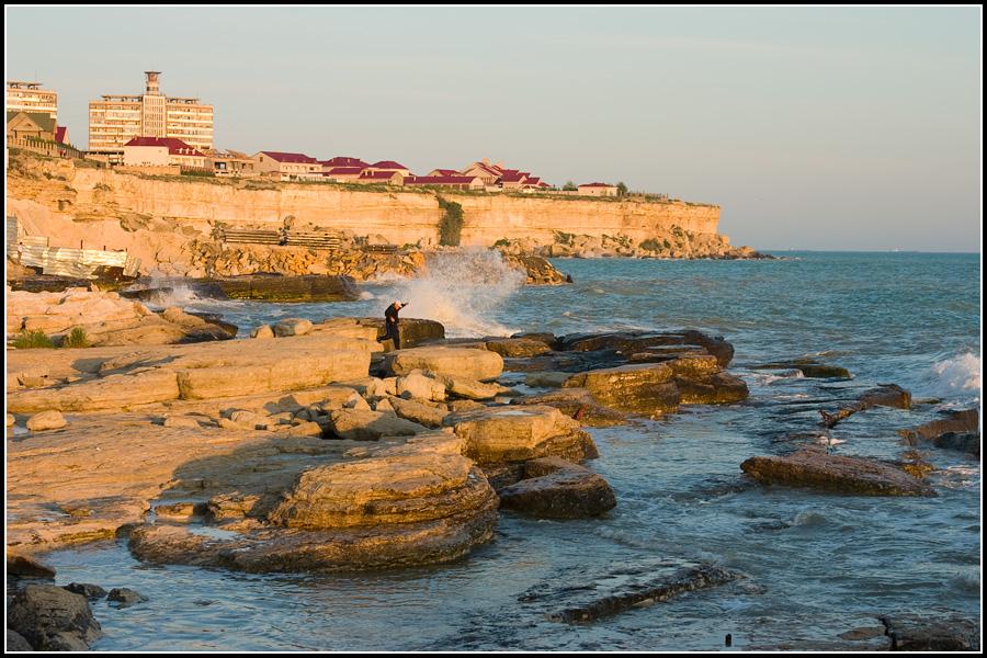 Впрочем, городской пляж в Актау есть, и, хоть он совсем небольшой, для