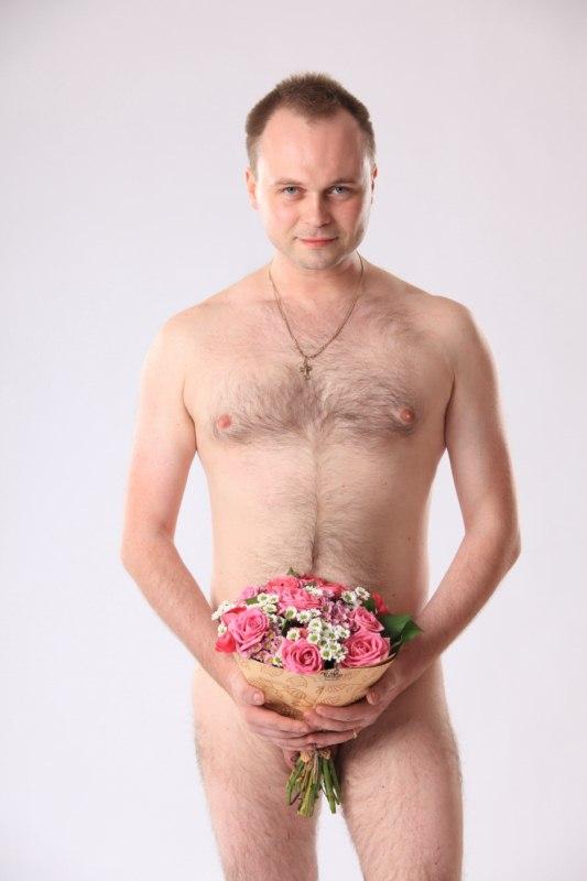 фото голый мужчина с цветами-ям2