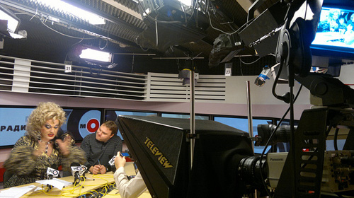 ЗАЗА НАПОЛИ выступила в роли ведущей радиостанции ЭХО МОСКВЫ