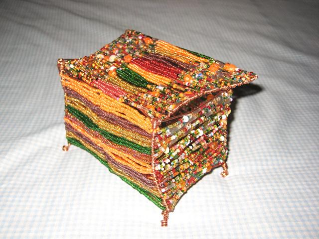 Вот еще шкатулку маме делала в подарок, получилось не то, чего я хотела.  НО основная проблема в том...