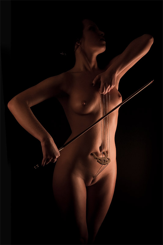 смотреть бесплатно красивых девушек с ресунками на голом теле фото