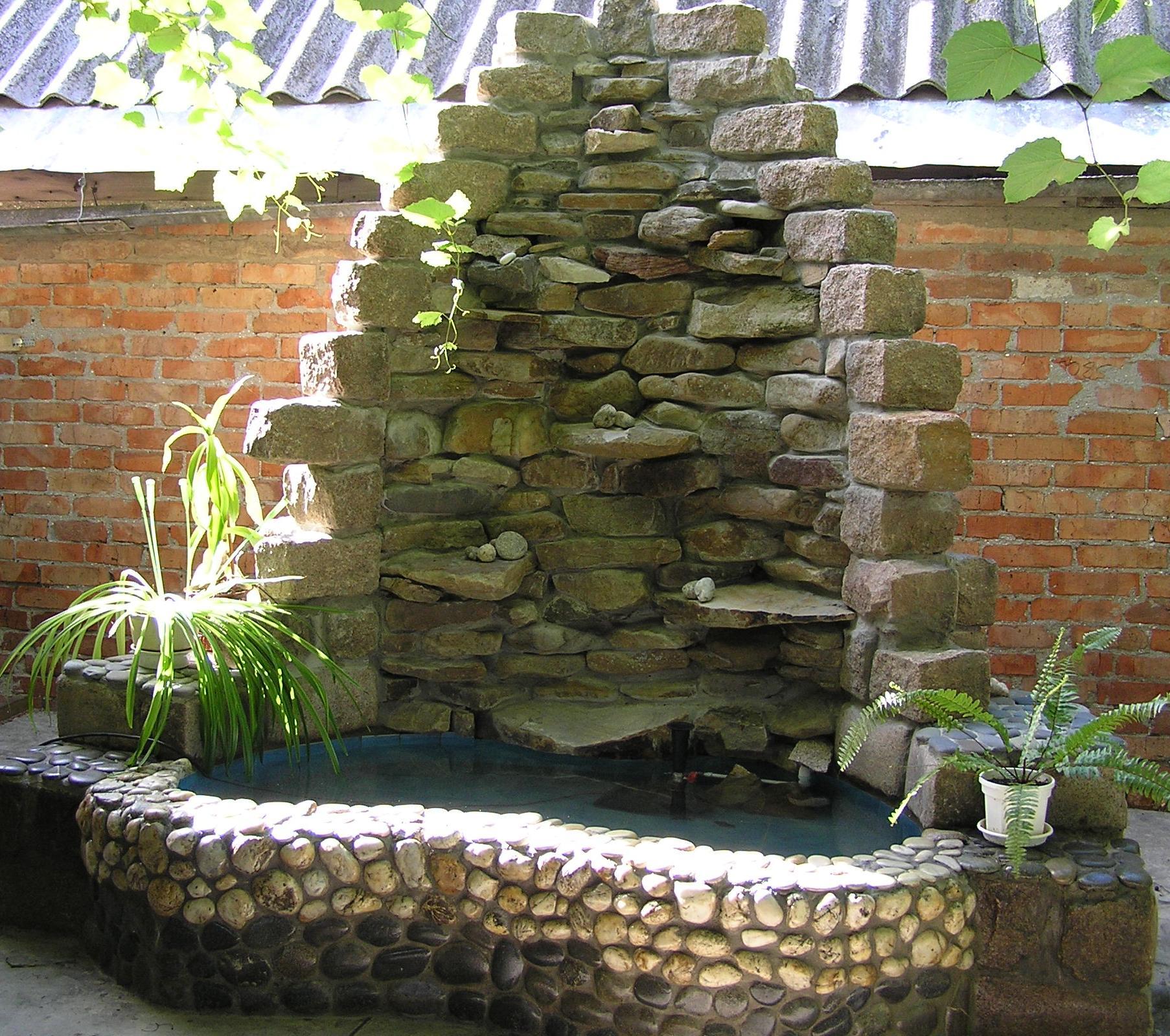 Фонтан водопад из камня своими руками 270