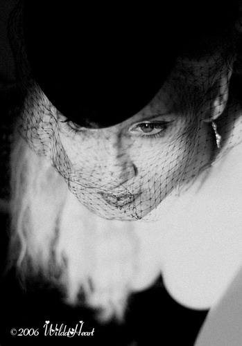 http://www.ljplus.ru/img4/i/n/inori_kun/Madonna_by_WildAtHeart.jpg