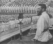 Я.Б.Гамарник выступает на митинге моряков