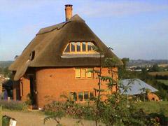 1. Итак для того чтобы построить дом из самана нужна глина, которой...