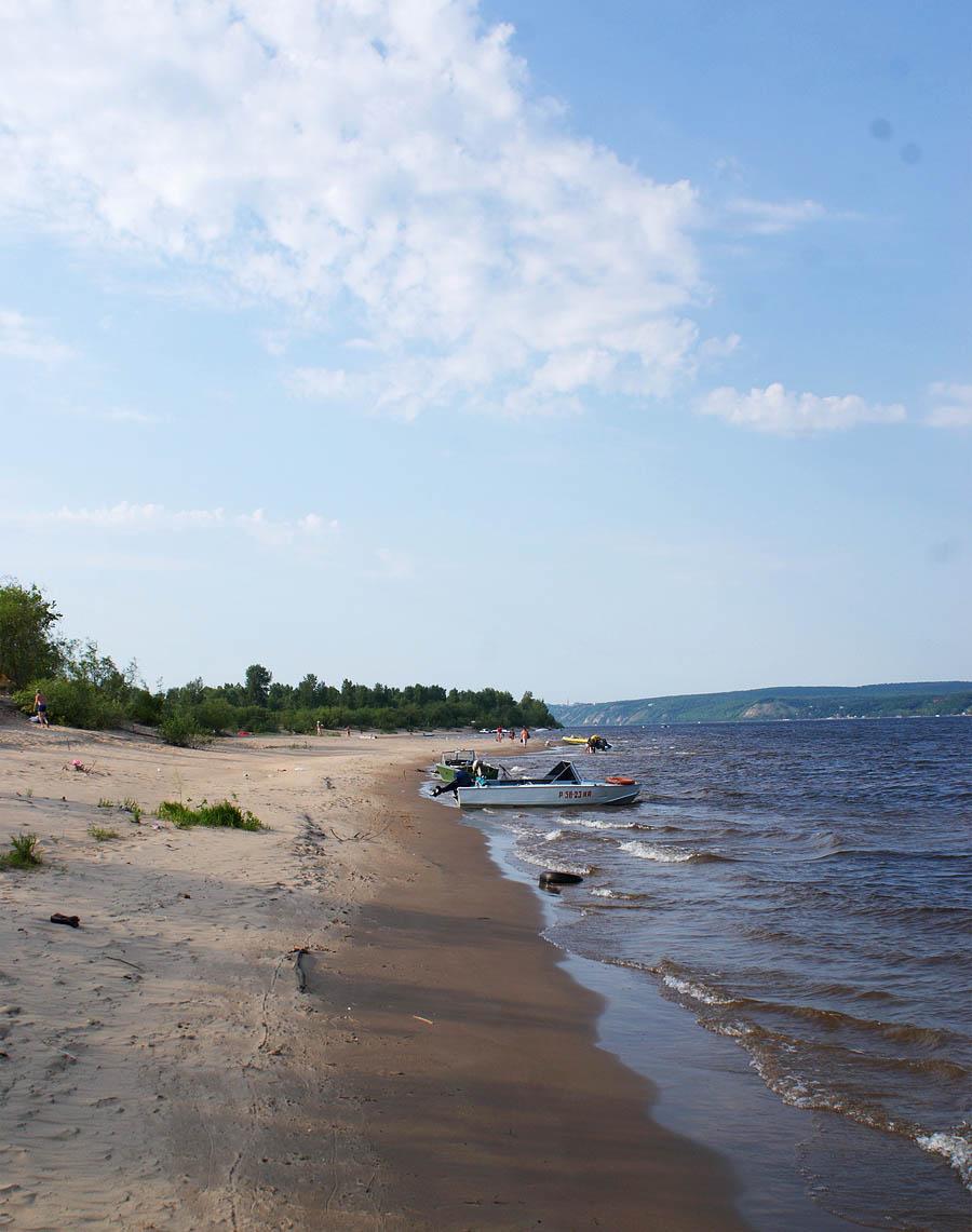 Самара, пляж на противоположном от городе берегу