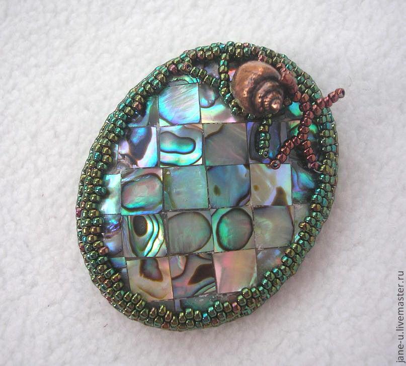Вышивка бисером из натурального камня 886