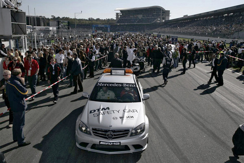 Mercedes-Benz С63 AMG стал новым пейс-каром DTM