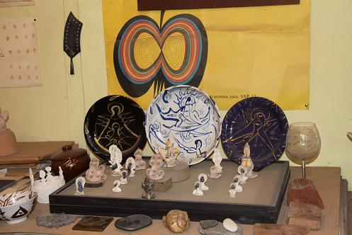Керамика с сюжетами Апухтина