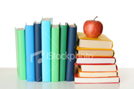 ist2_3940151-textbooks-and-apple
