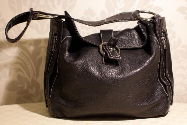 И когда, например,придет время почистить кожаную сумку самостоятельно.