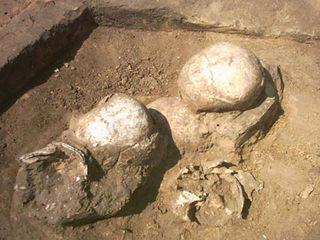 Женщин насиловали и убивали прямо у алтарей