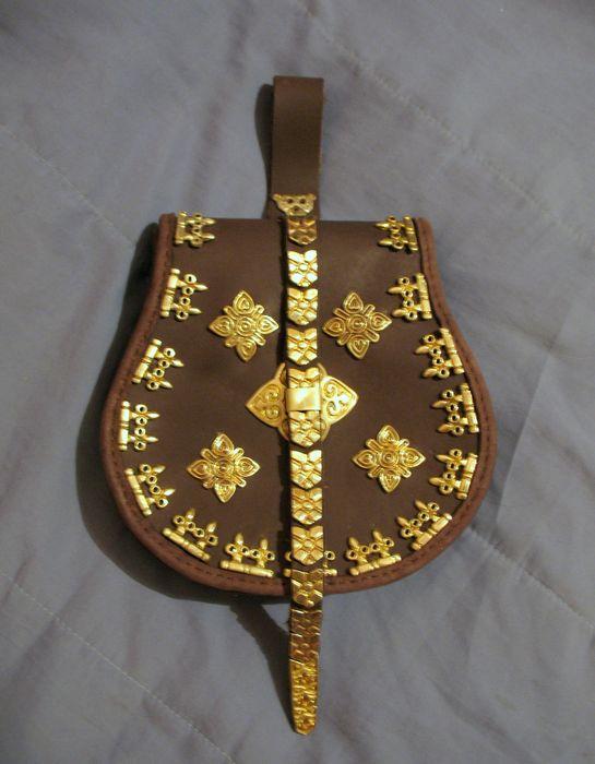 http://www.ljplus.ru/img4/l/e/leatherworker/IMG_8989.JPG